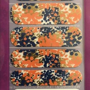 Jamberry - Glam  Super Cute Coral Colors Nail Wrap